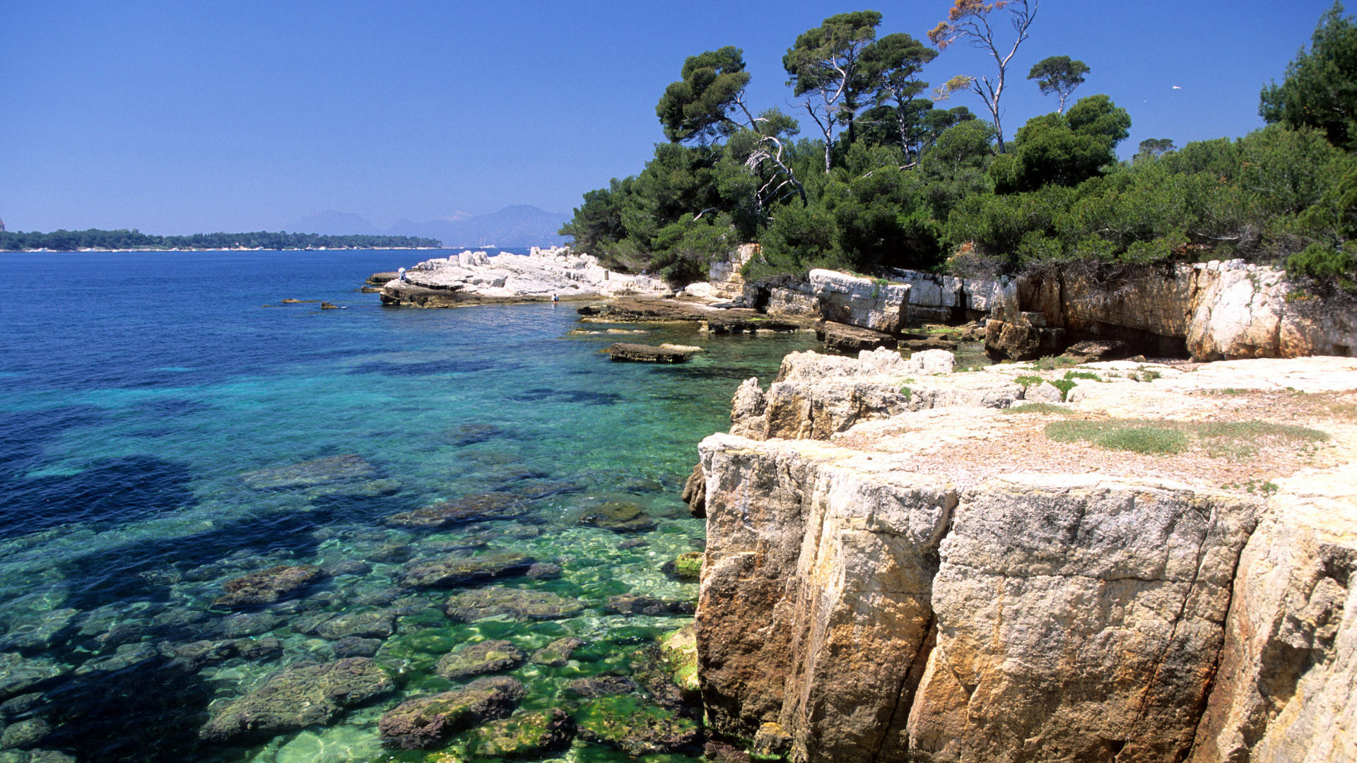 Voyage n 1 ville antibes blog de ma a - Point p antibes ...