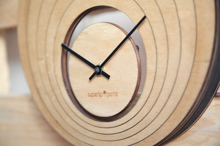 horloge-ovale